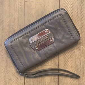 Guess Zip Up Accordion Gray Wallet